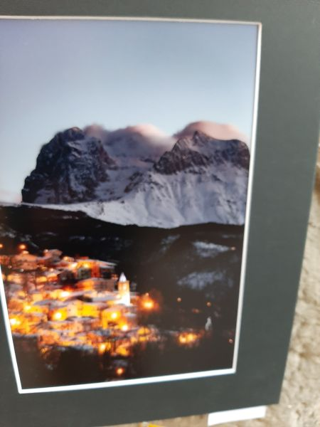 Questa immagine ha l'attributo alt vuoto; il nome del file è Montagna-luci-print.jpg