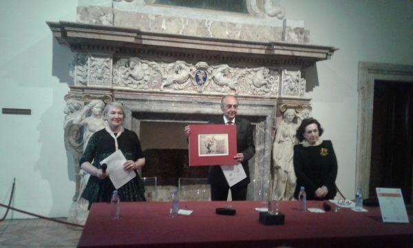 Questa immagine ha l'attributo alt vuoto; il nome del file è Emanuele-premiato.jpg