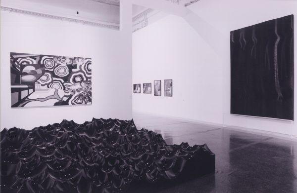 Questa immagine ha l'attributo alt vuoto; il nome del file è XIV-Quadriennale-2005-In-primo-piano-Jacob-Hashimoto-Water-Block-4.0.jpg