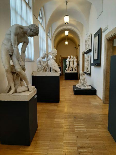 Questa immagine ha l'attributo alt vuoto; il nome del file è Galleria-Accademia.jpg