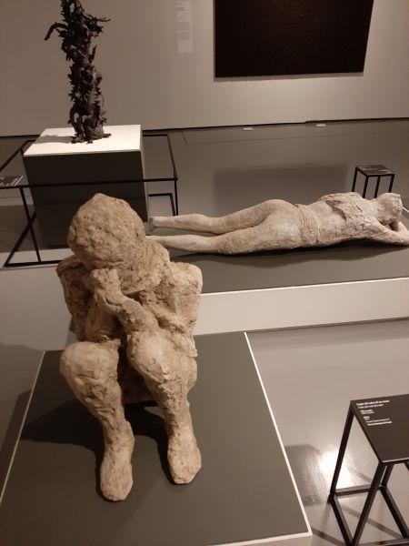 Questa immagine ha l'attributo alt vuoto; il nome del file è Pompei-Santorini-14.jpg