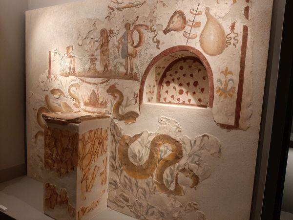 Questa immagine ha l'attributo alt vuoto; il nome del file è Pompei-Santorini-5.jpg