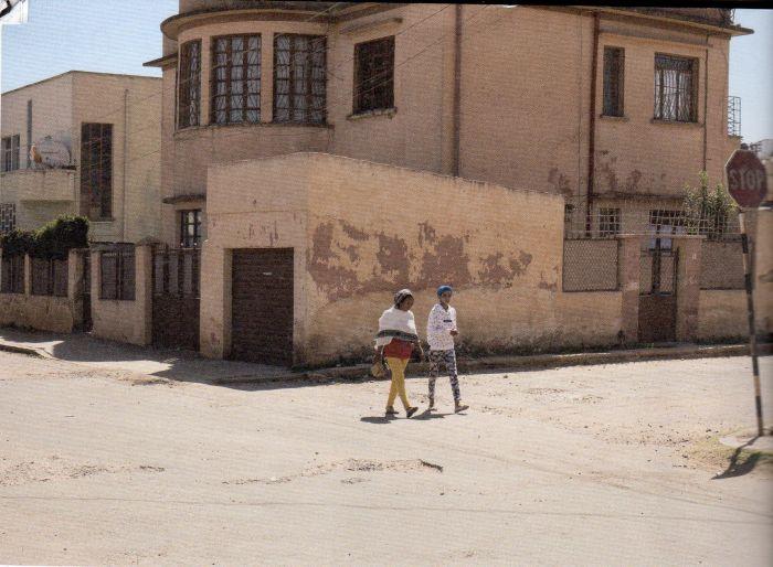 Questa immagine ha l'attributo alt vuoto; il nome del file è Quadriennale-Daar-Asmara-700.jpg
