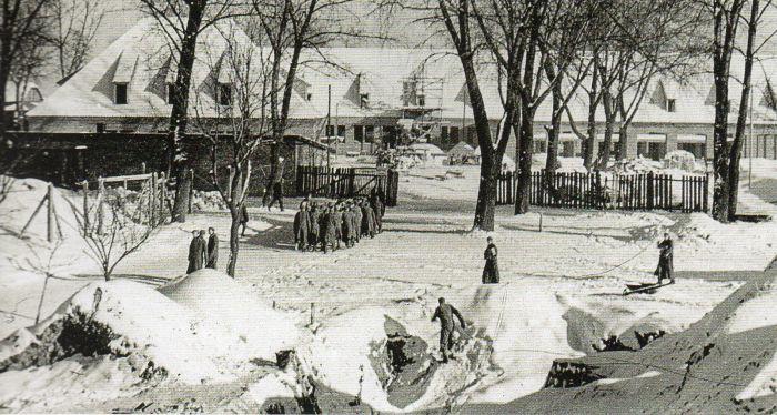 Questa immagine ha l'attributo alt vuoto; il nome del file è Ausch-I-20-foto.jpg