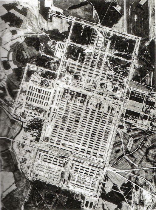 Questa immagine ha l'attributo alt vuoto; il nome del file è Ausch-I-33-foto-222.jpg