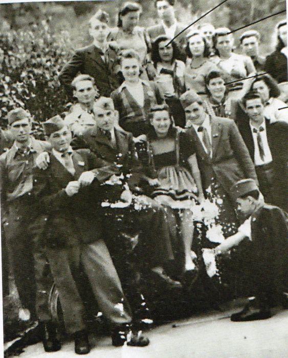 Questa immagine ha l'attributo alt vuoto; il nome del file è Ausch-II-77-finae-foto228-1.jpg